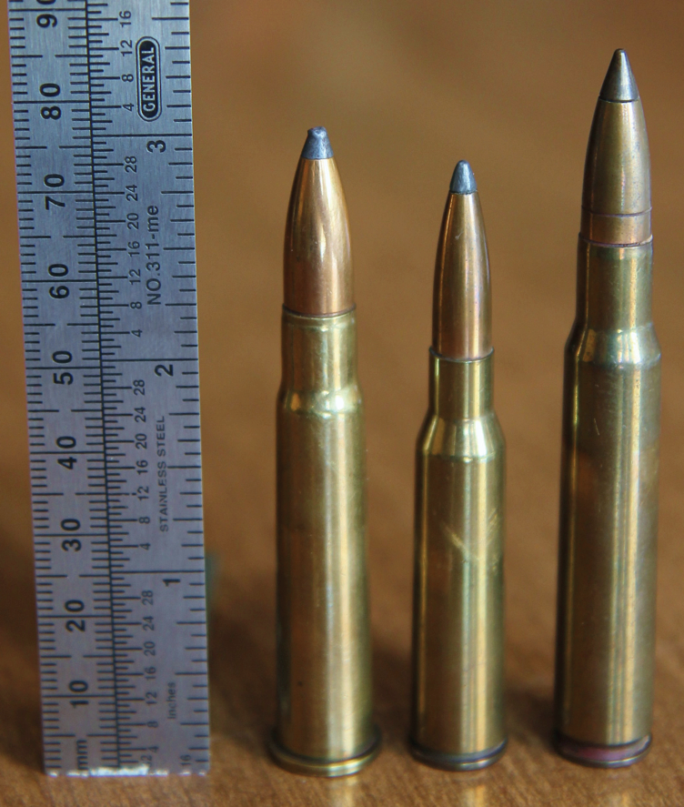 The little semi-rimmed Japanese 6.5x50 stands between contemporaries: 303 british (left) & the US 30-06 Springfield (Photo from Wikipedia)